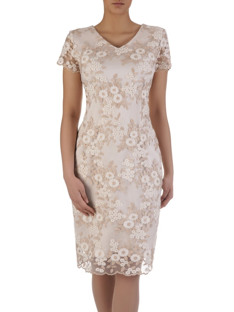 Elegancka sukienka ze złotym wykończeniem 15720, koronkowa kreacja na wesele.
