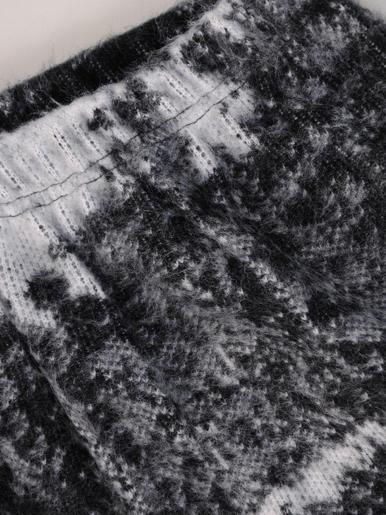 Wełniana spódnica z abstrakcyjnym nadrukiem Karina II.